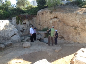 The cave was carved up into several small rooms. Each room had hewn burial niches, and was covered with white chalk. Inside, Schick found several sarcophagi and other remains. The size and expense of this complex seriously points in the direction of this cave belonging to one of the privileged and wealthy families of Jerusalem of old.